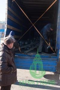 Мэр г. Сватово встретил машину из Харькова.